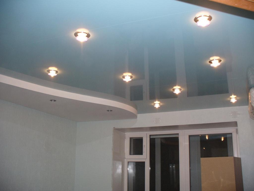 Глянцевый натяжной потолок цена от производителя Ремонтофф. Ремонт и отделка квартир под ключ.